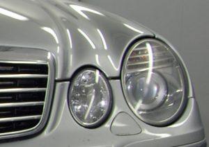 Gealterte Auto-Scheinwerfer